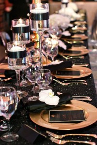 gold charger plate place settings