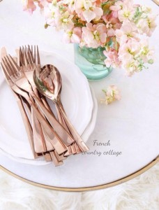 rose gold cutlery place settings